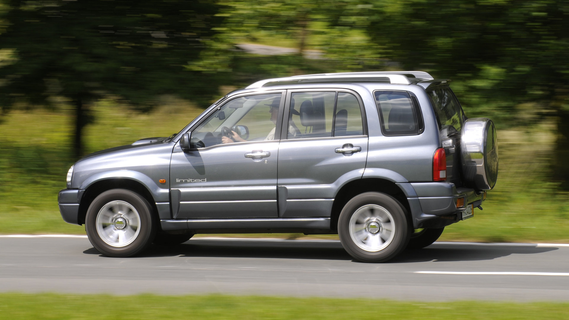 Suzuki Grand Vitara V6 2