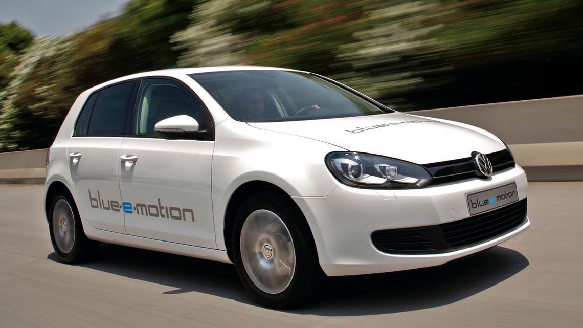 Así fueron los pinitos de Volkswagen con los coches eléctricos e híbridos