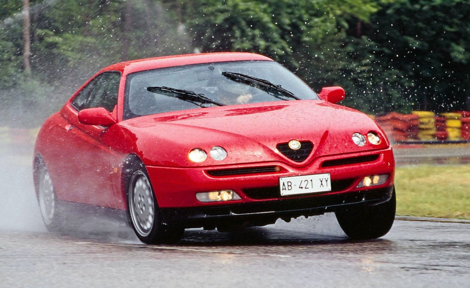 Alfa Romeo GTV 1