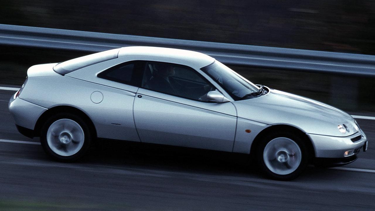 """Coche del día: Alfa Romeo GTV 2.0 V6 """"Busso"""" TB"""