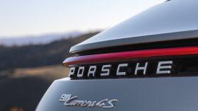Porsche 911 Carrera 4S 11
