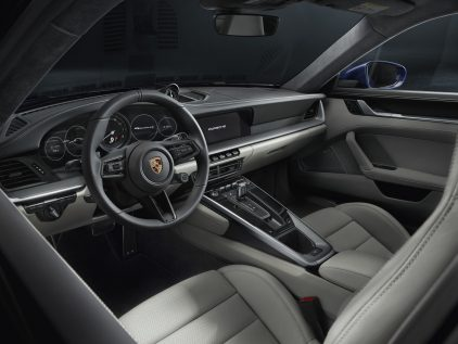 Porsche 911 Carrera 4S 13