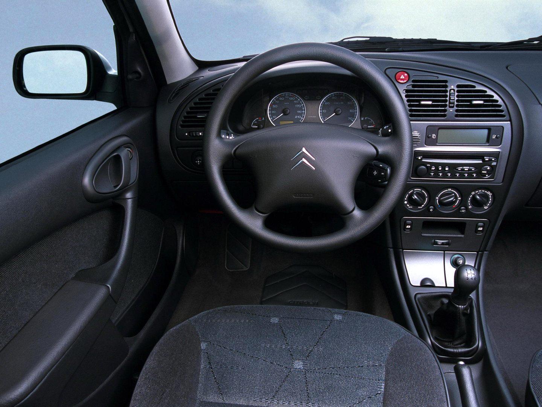 Citroen Xsara VTS 2003 Interior