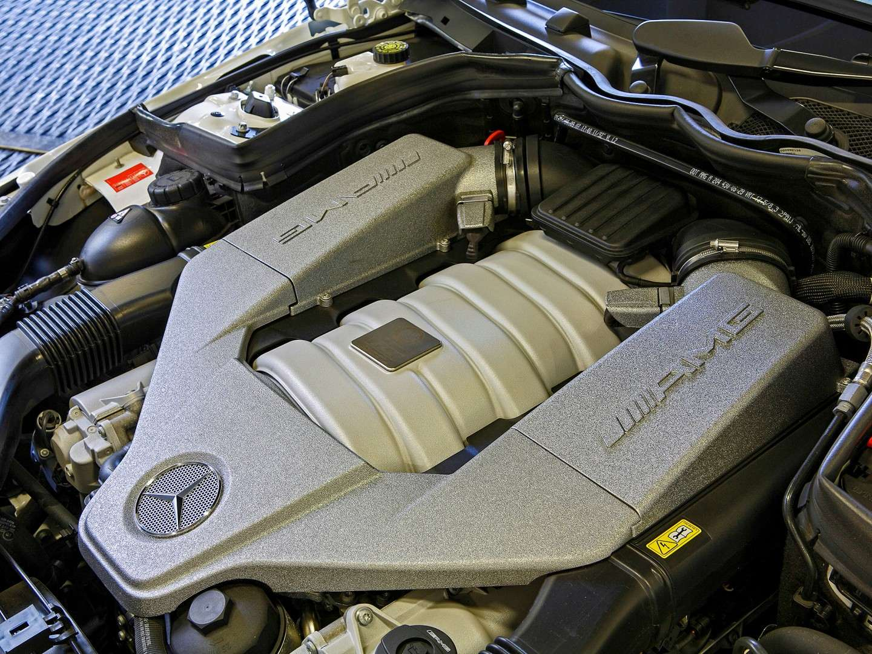 Mercedes Benz Clase C63 AMG 3