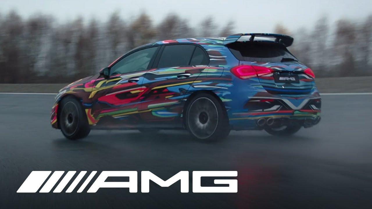 Mercedes-AMG felicita la Navidad con un vídeo del modo drift del A 45