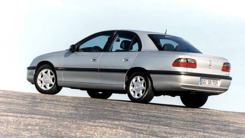 Coche del día: Opel Omega MV6 (B)