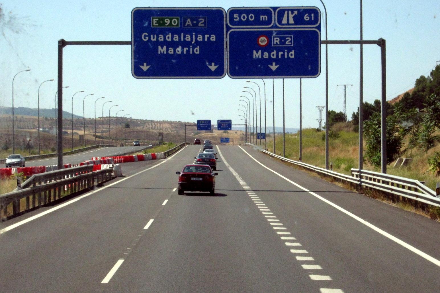 Pere Navarro, a favor de los peajes en autovías y autopistas