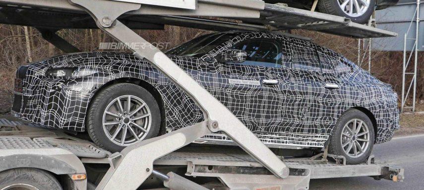 El futuro BMW i4 se muestra camuflado en su fase de desarrollo