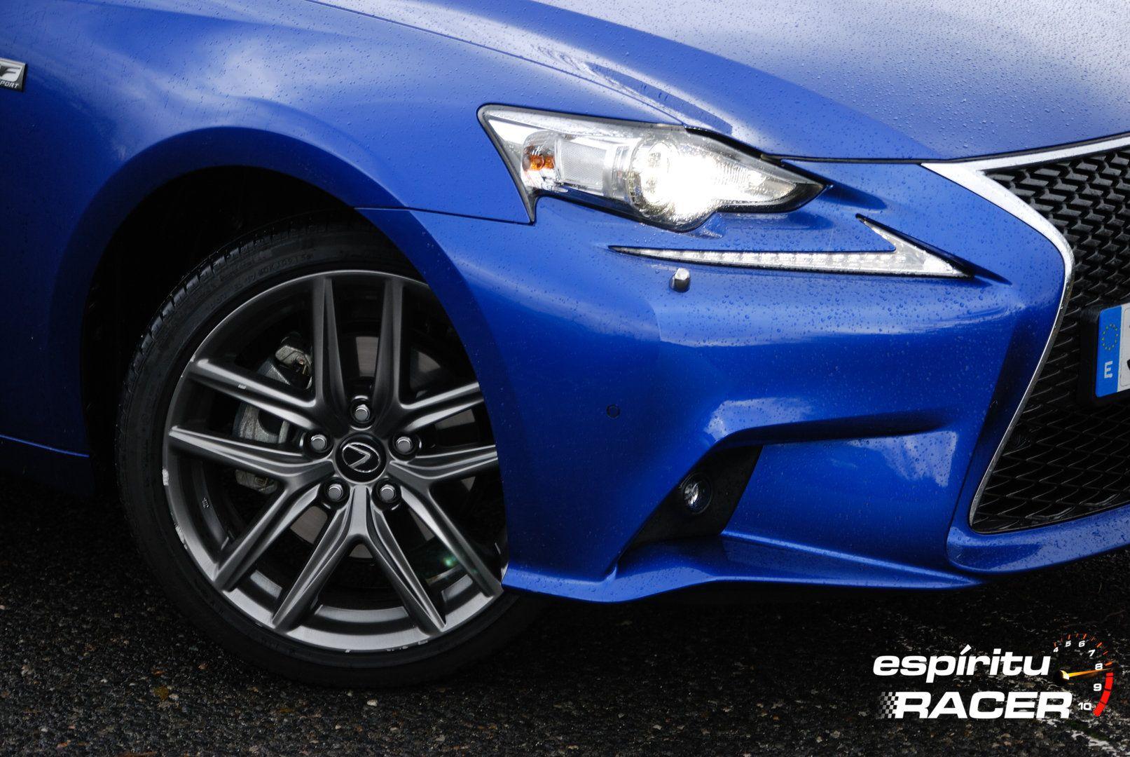 Lexus IS 300h F Sport XE30