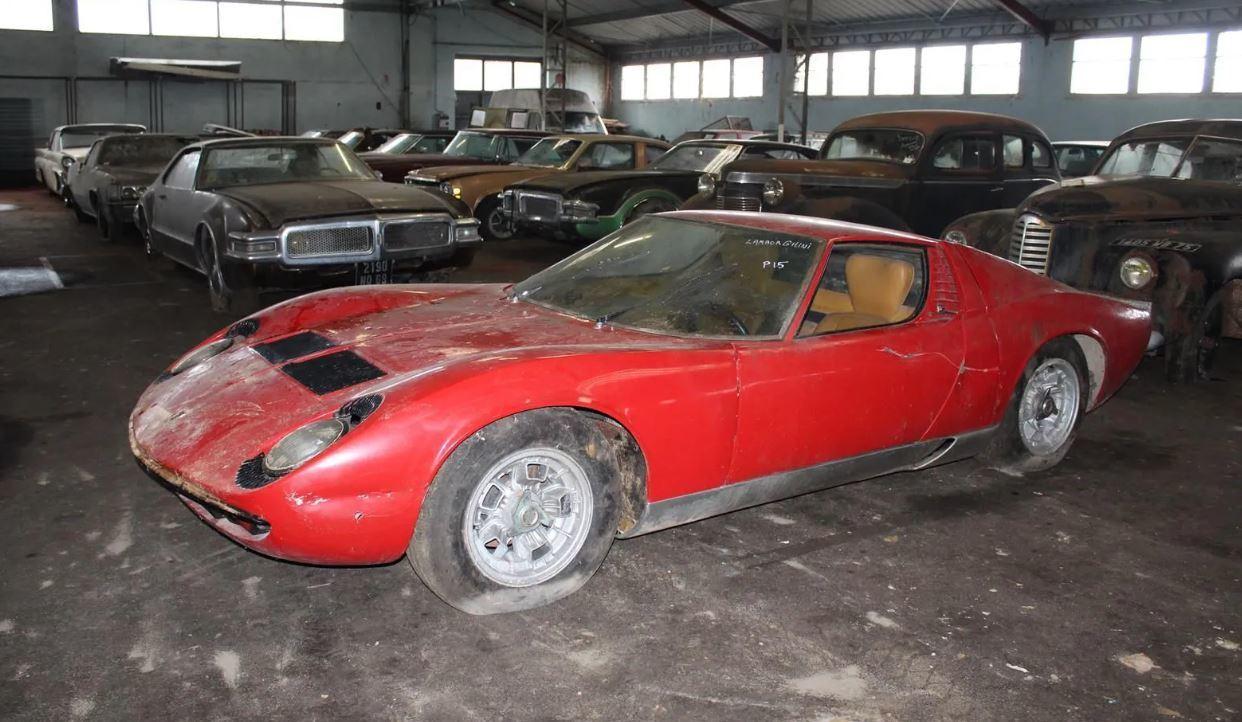 """Mega """"barn find"""" en el sur de Francia: 81 clásicos abandonados"""