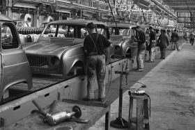 40 1965 Renault 4 Production