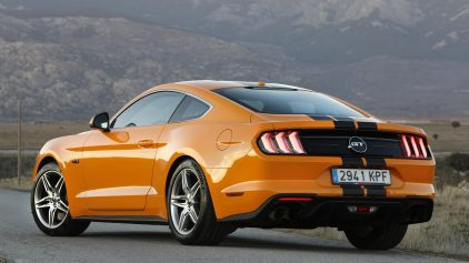 Ford Mustang Performance 2
