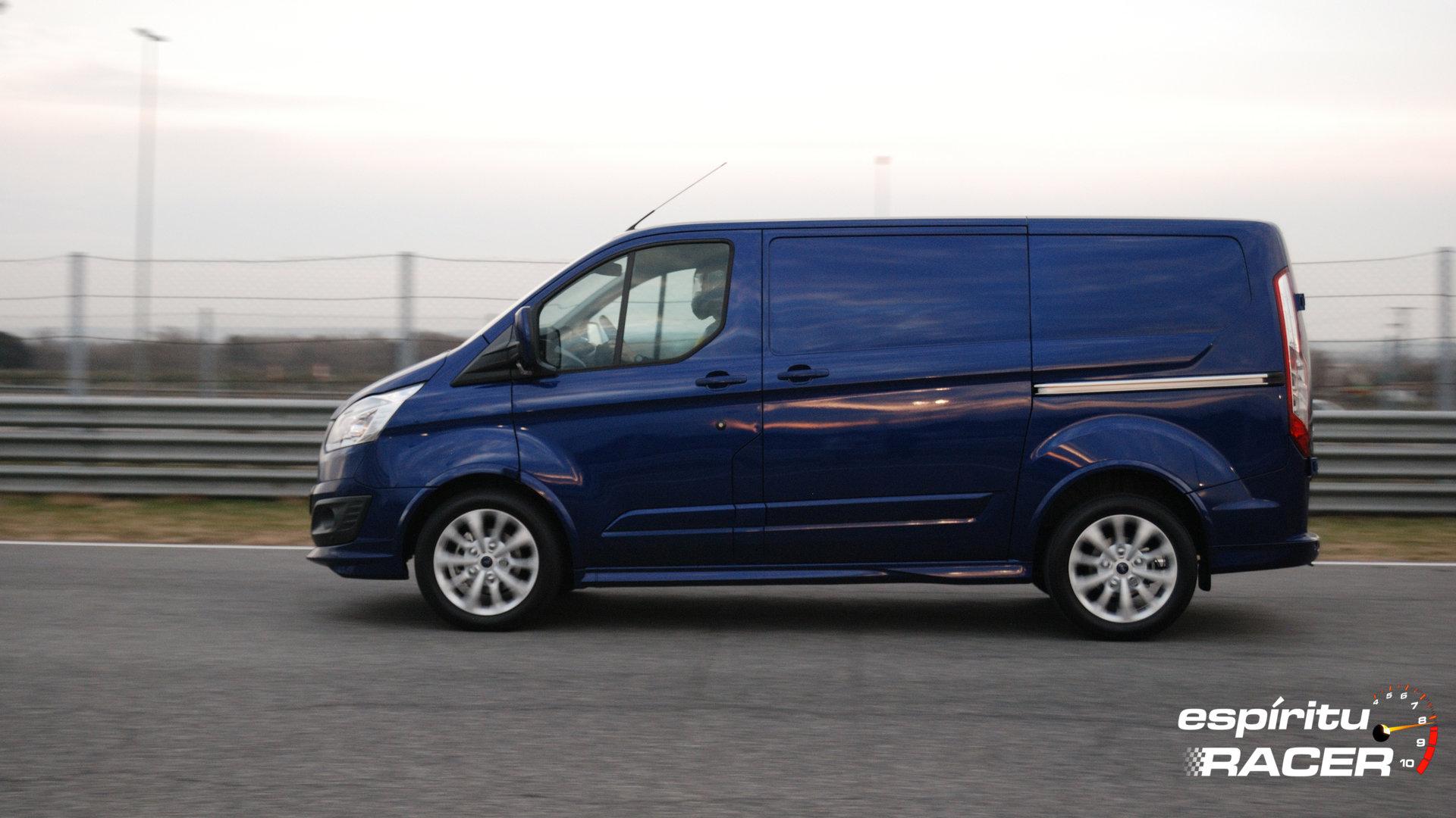 Ford Transit Custom Van Sport 11