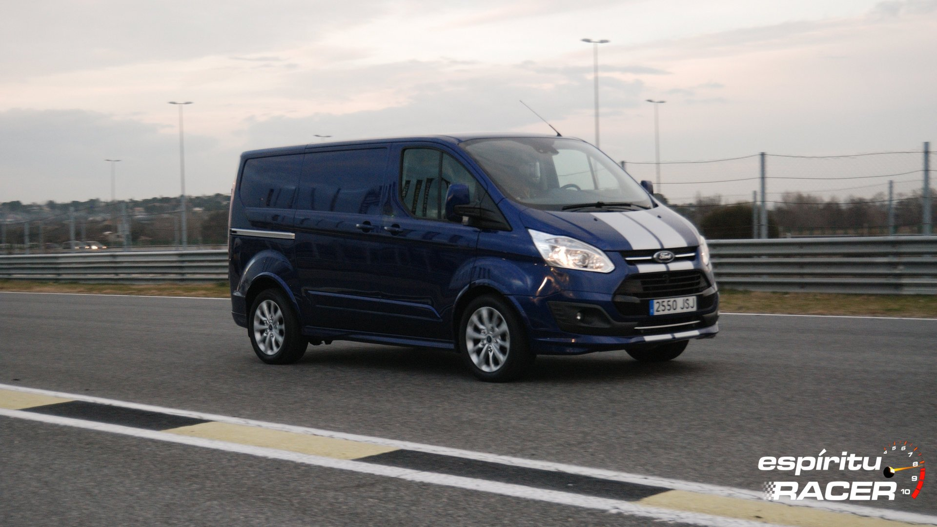 Ford Transit Custom Van Sport 13