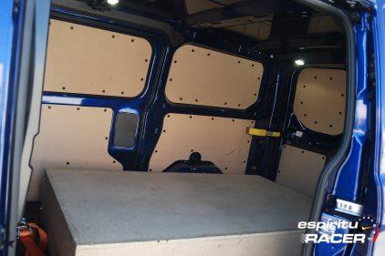 Ford Transit Custom Van Sport 42