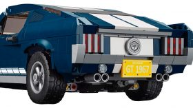 LEGO Ford Mustang Fastback 1967 01