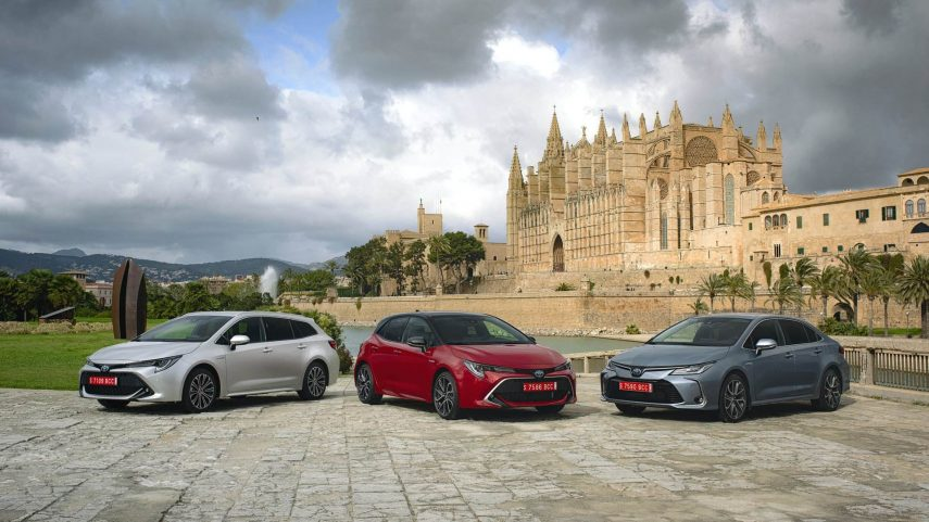 Contacto: Toyota Corolla Hybrid 5p, Sedán y Touring Sports
