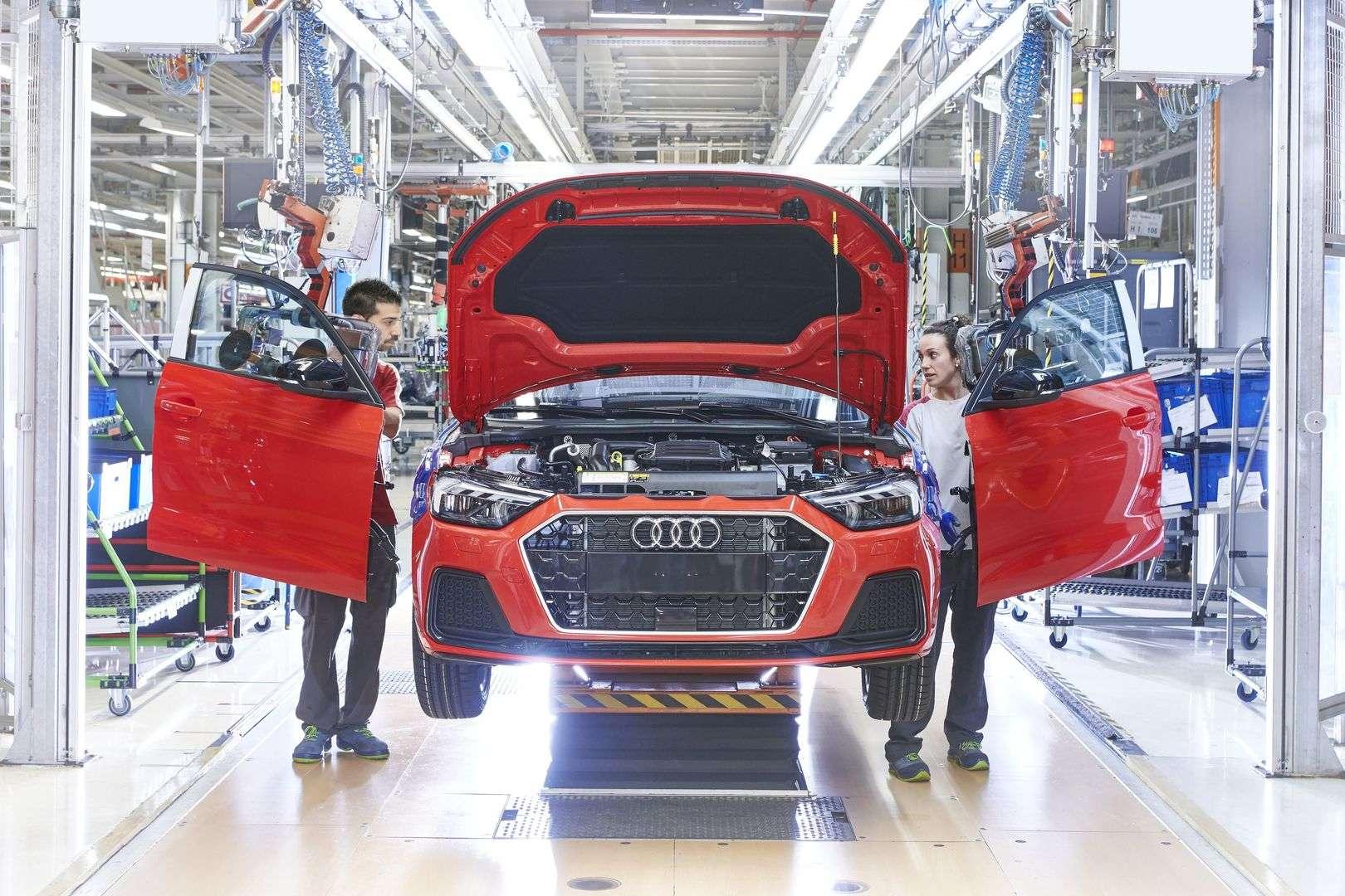España ha perdido casi un tercio de producción de automóviles hasta agosto
