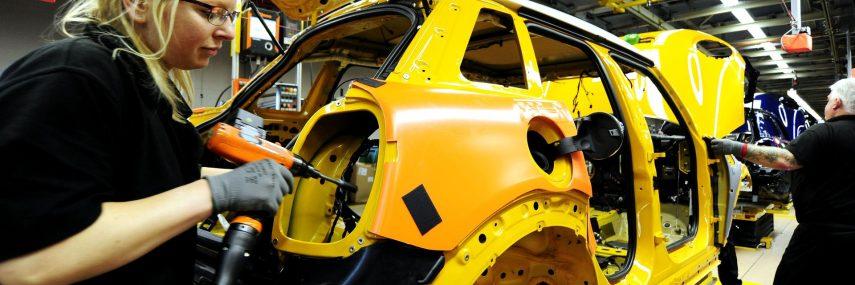 Cómo se fabrica un automóvil en serie (V): Montaje