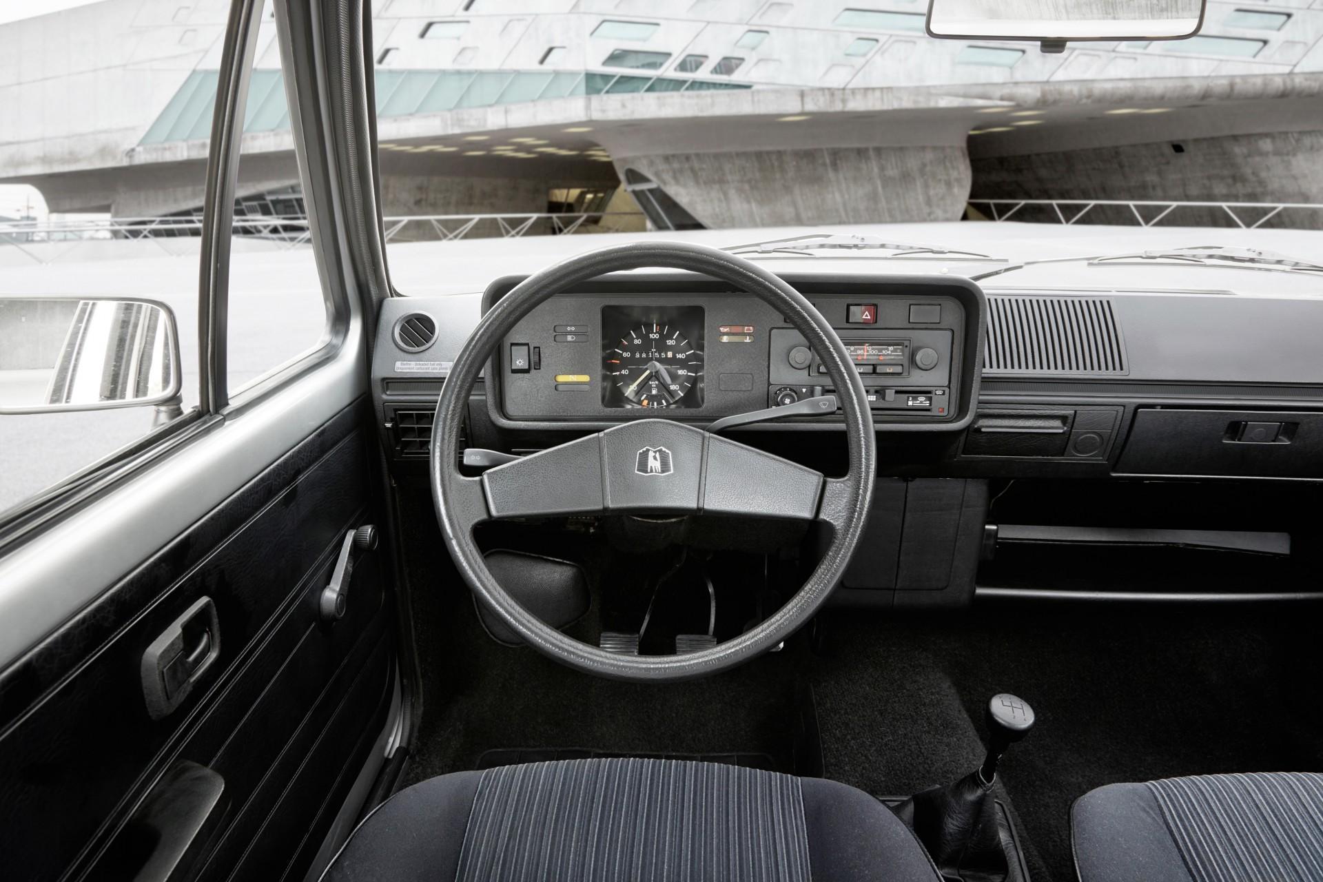 Volkswagen Golf 1974 4