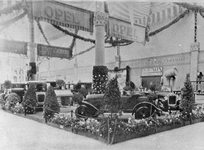 08 1927 Salon Automovil Barcelona Estand Opel