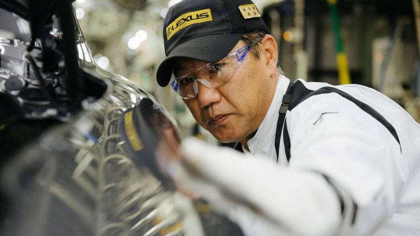 Lexus admite que necesita eléctricos en su gama