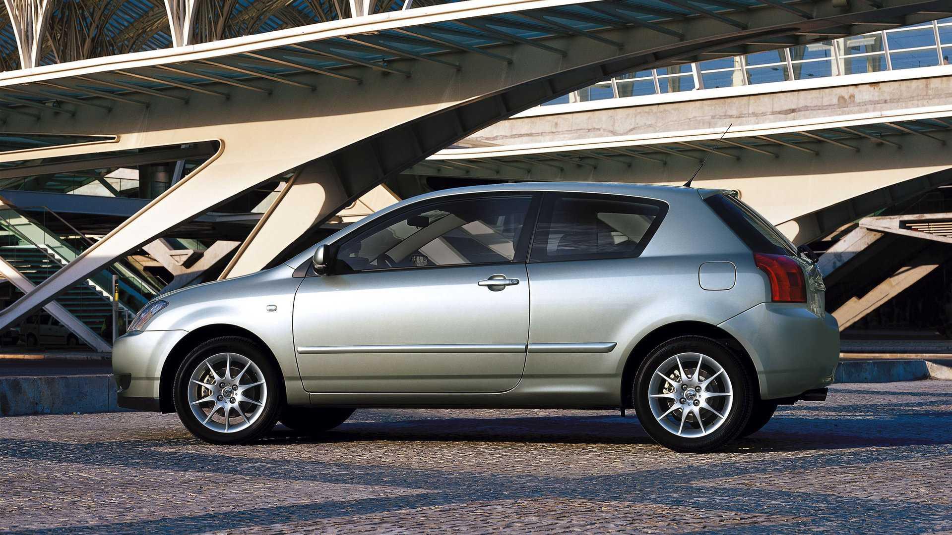Toyota Corolla E120 T Sport 3