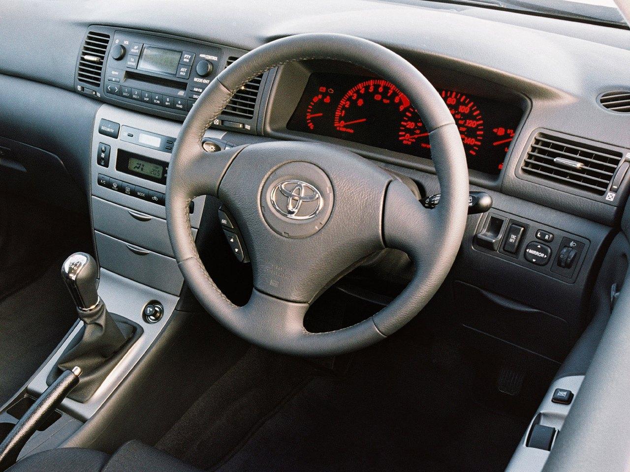 Toyota Corolla E120 T Sport 5