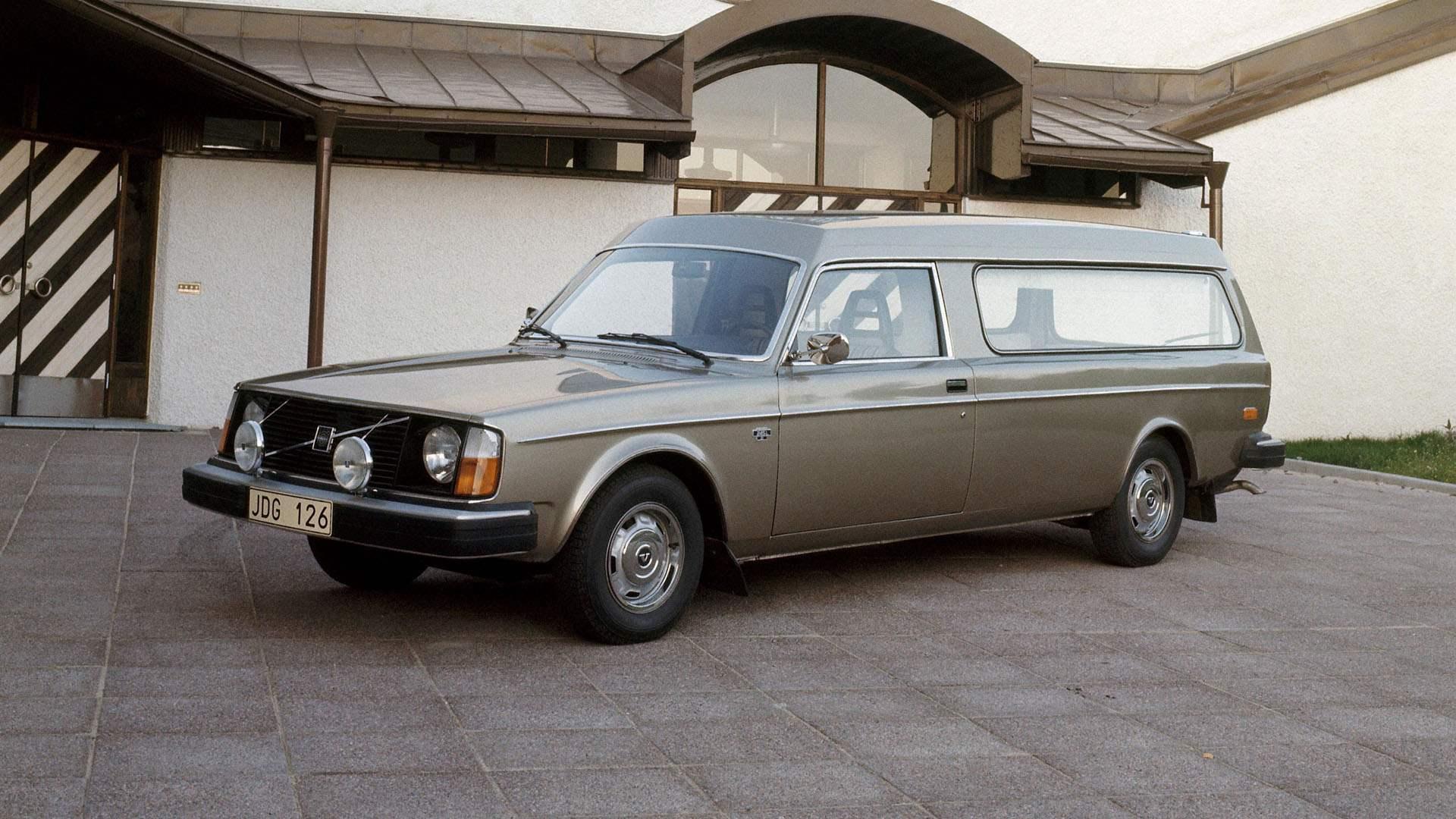 Volvo 245 Funebre