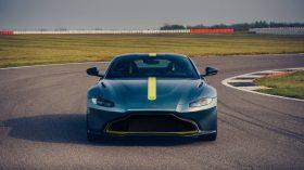 Aston Martin Vantage AMR 01