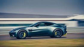 Aston Martin Vantage AMR 02