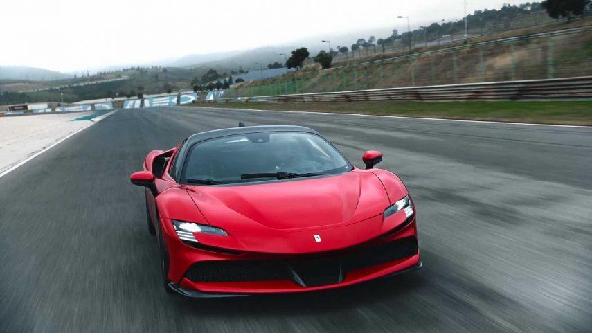 Ferrari SF90 Stradale (10)