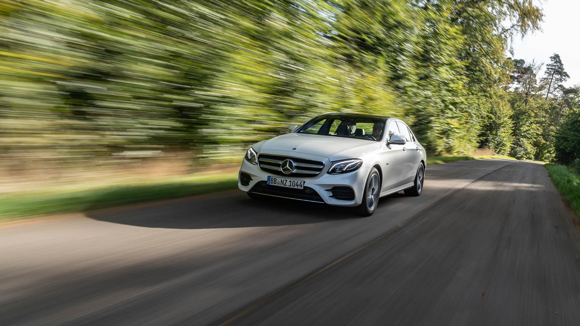 Contacto: Mercedes-Benz E 300 de