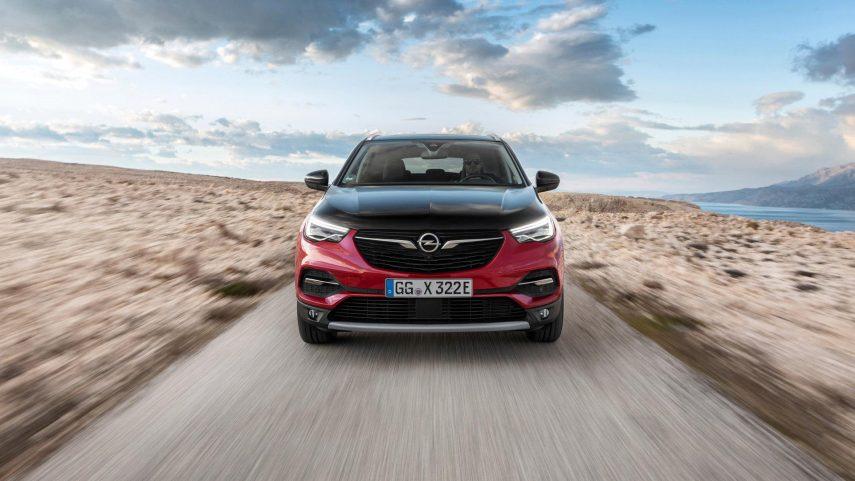 Opel presenta el híbrido enchufable Grandland X Hybrid4