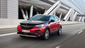 Opel Grandland X Hybrid4 06