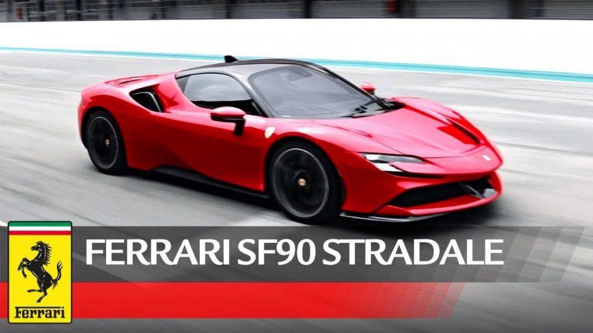 Deleitate con el Ferrari SF90 Stradale en movimiento