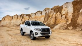 Toyota Hilux Legend Black (26)