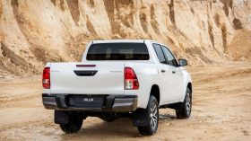 Toyota Hilux Legend Black (31)