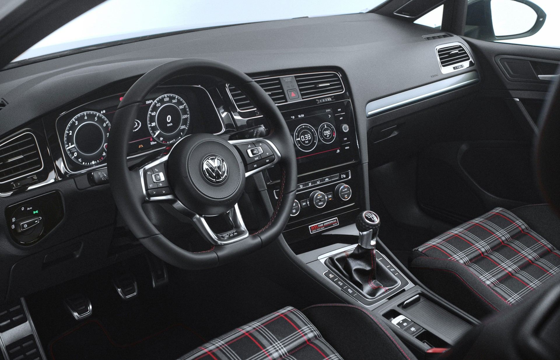 Volkswagen Golf GTI The Original (11)