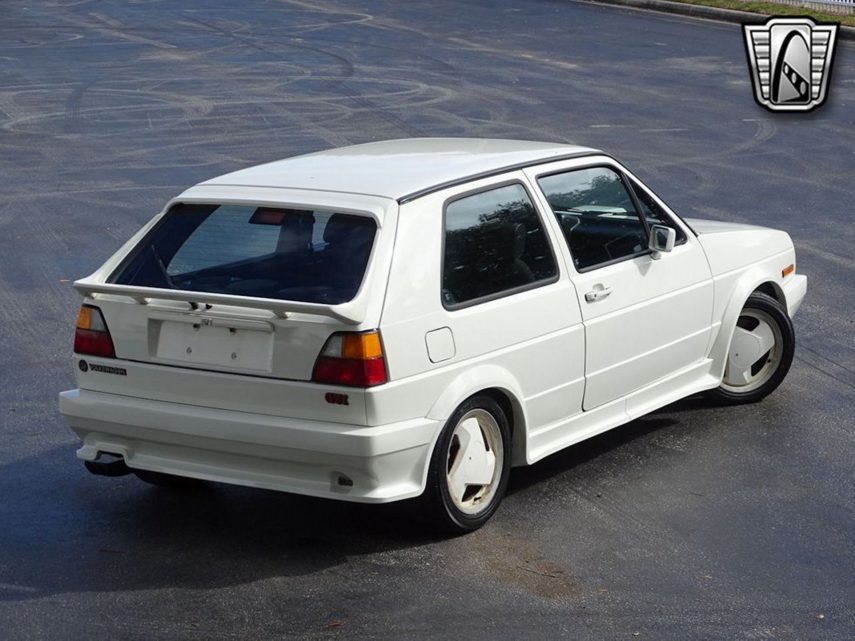 Volkswagen Golf GTI Callaway Turbo, un compacto de armas tomar