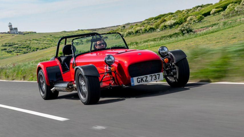 ¿Quieres un deportivo a la vieja usanza? Ya puedes comprar el Caterham 485 CSR
