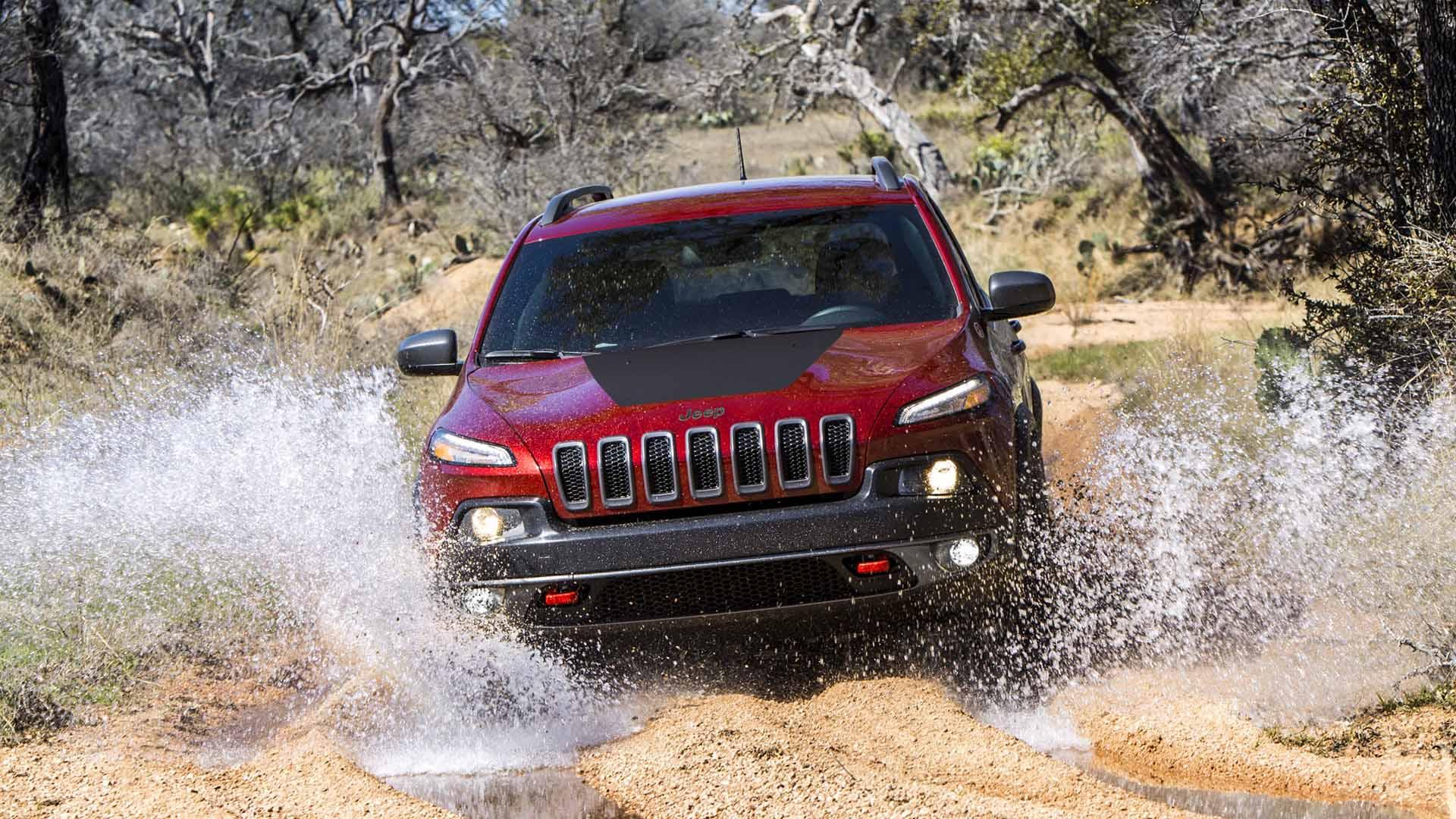FCA llama a revisión a casi 100.000 Jeep Cherokee