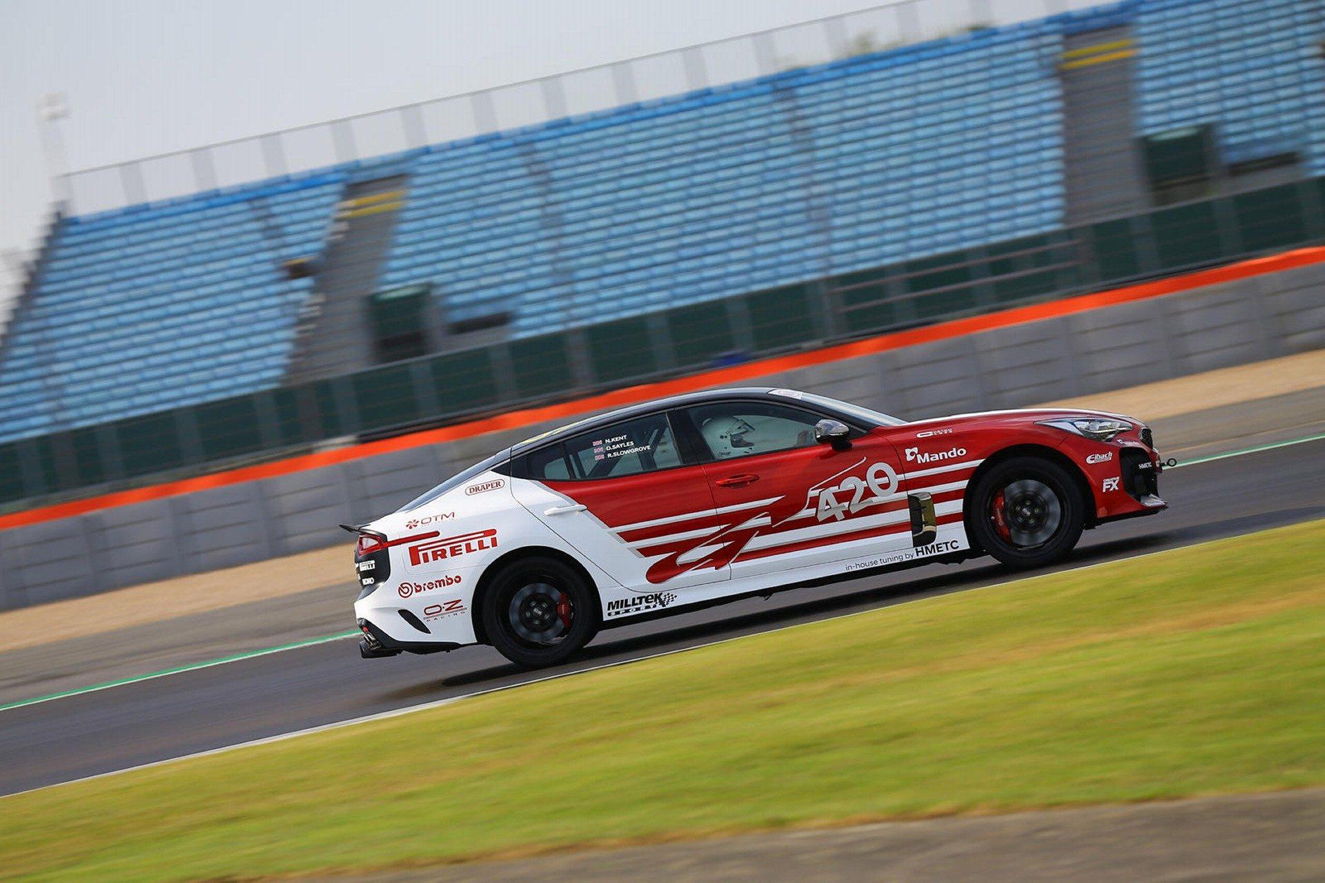 KIA Stinger GT 420 Circuit (16)