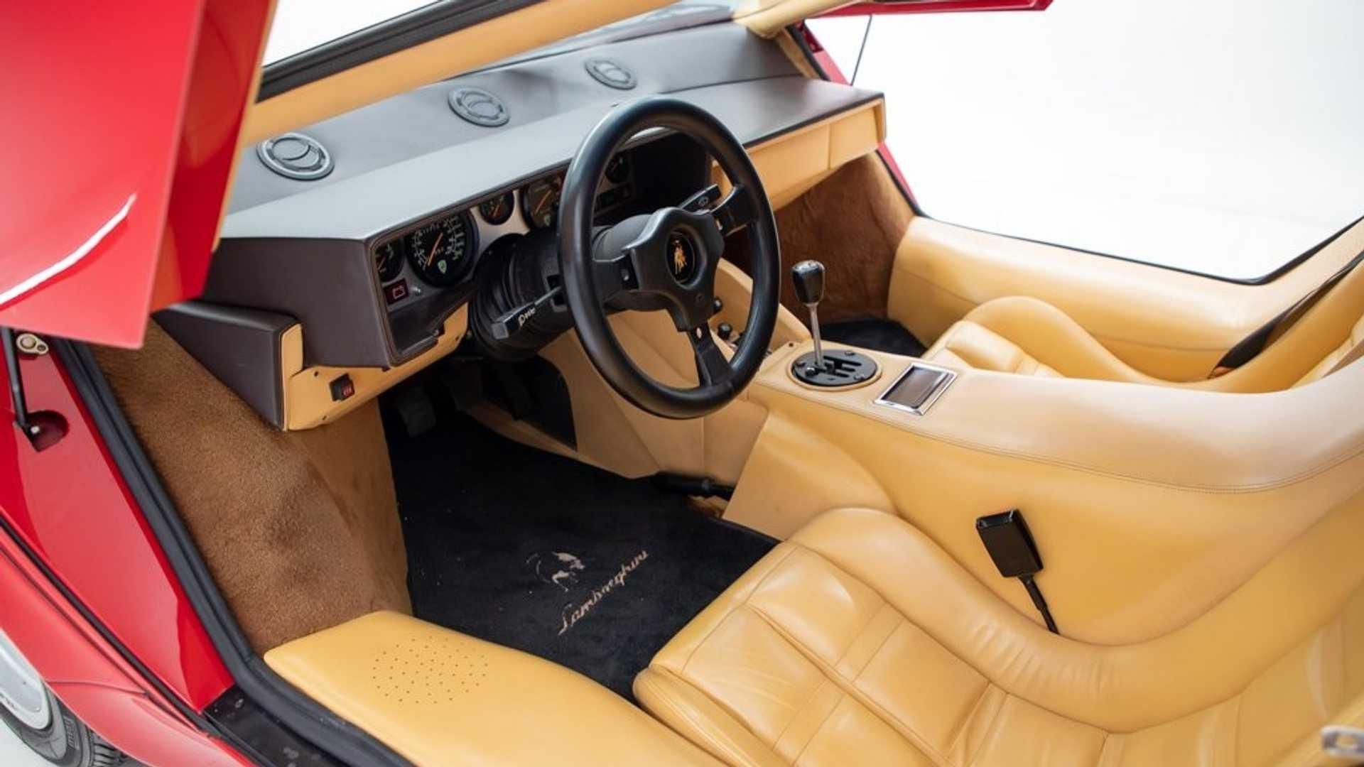 Lamborghini Countach M A Interior (1)