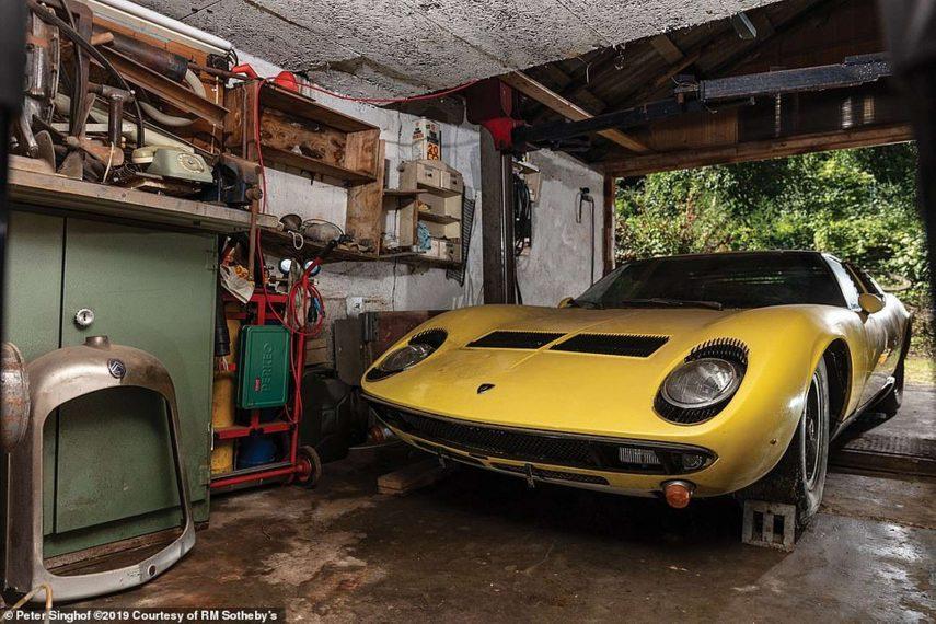 Este Lamborghini Miura P400 S de 1969 sin restaurar busca nuevo hogar