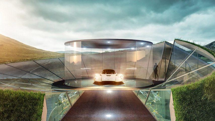 Aston Martin no solo quiere venderte coches, también un garaje a la altura