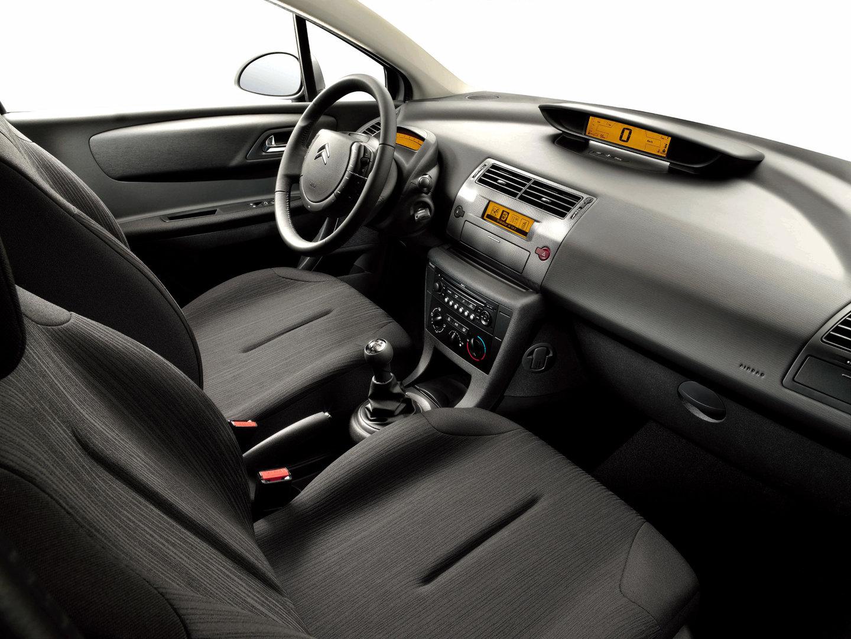 Citroen C4 interior VTR Plus 02