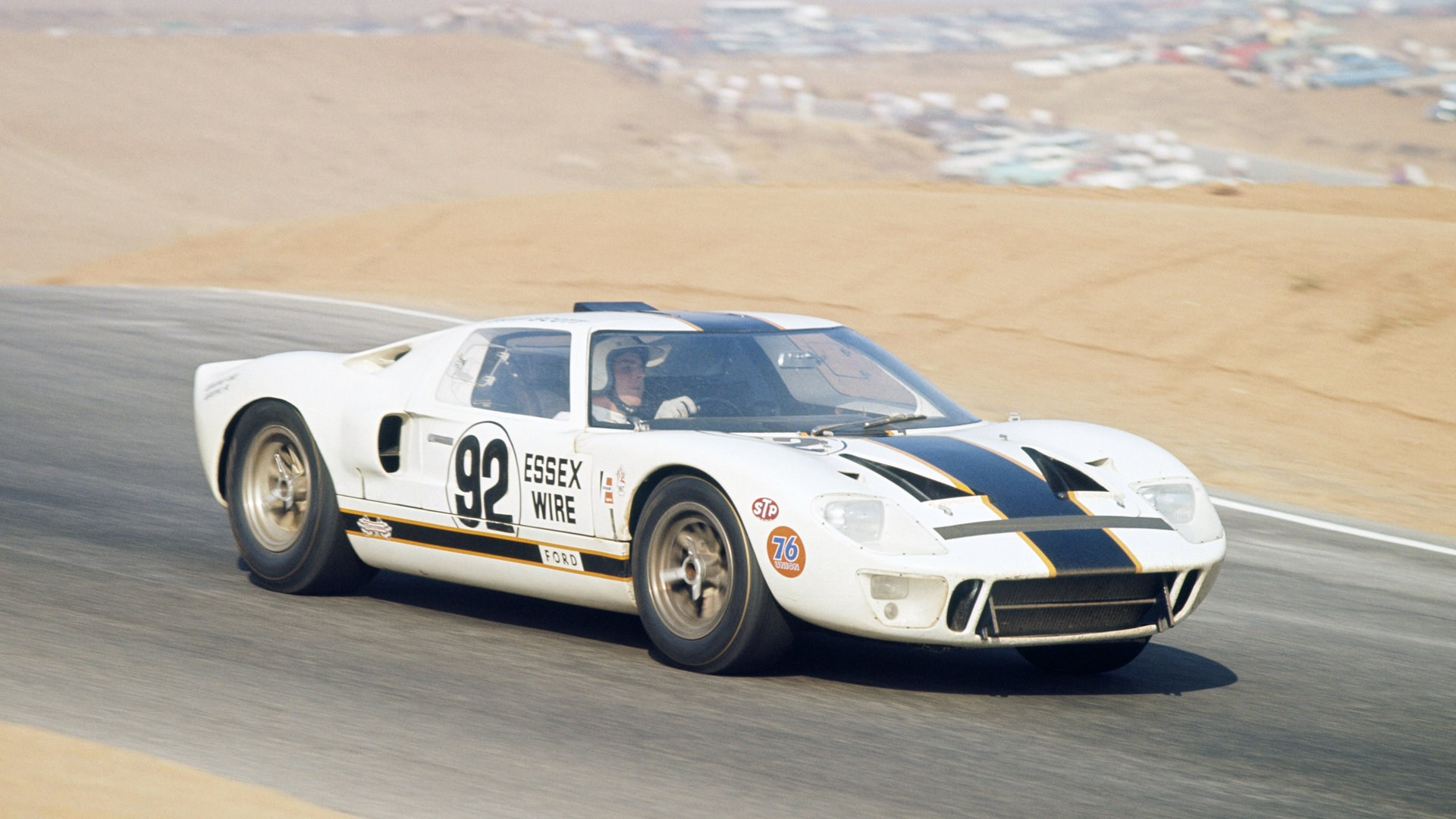 Ford GT40 Race Car P 1010 1965