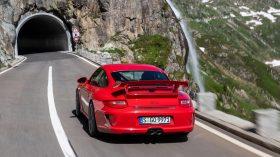 Porsche 911 GT3 997 rojo trasera 2009