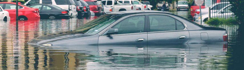 Qué hacer cuando una inundación daña tu coche